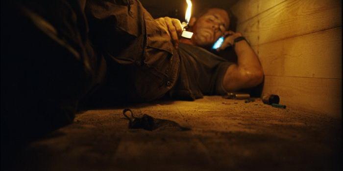 кадр из фильма Погребенный заживо (2010)