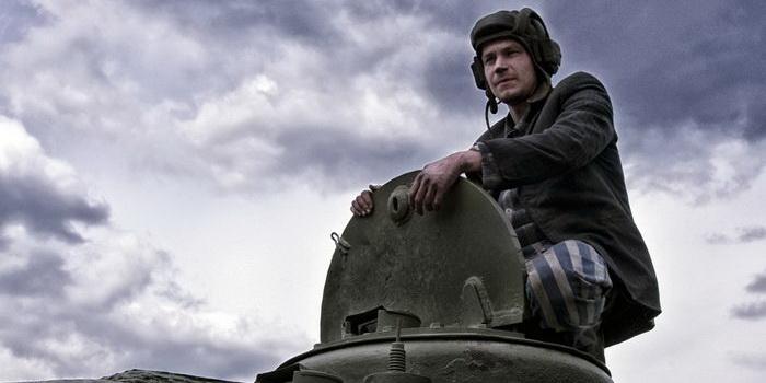 кадр из фильма Т-34 (2018)
