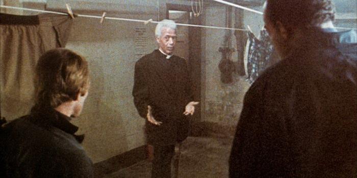 кадр из фильма Рассвет мертвецов (1978)
