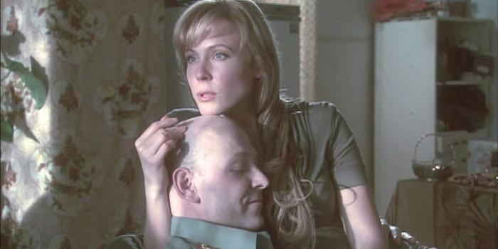 кадр из фильма Разрешите тебя поцеловать(2008)