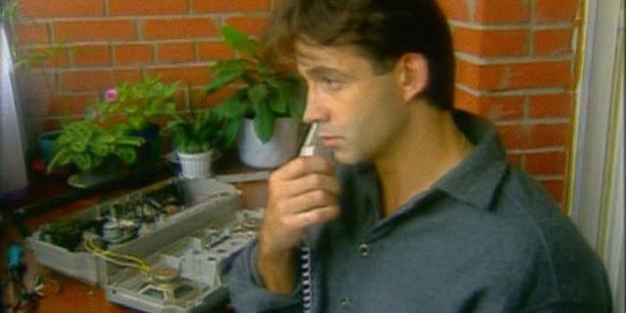 сцена из фильма Остановка по требованию (1999)
